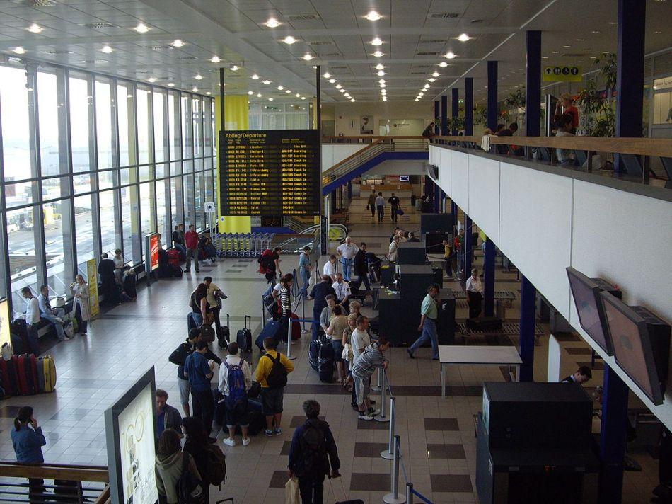 Aeropuerto-de-Berlin-Schonefeld-Terminal-A